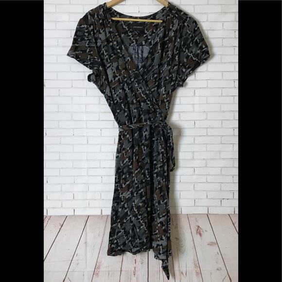 f61446f8eeb Lane Bryant Dresses   Skirts - Lane Bryant Faux Wrap Dress Size 18 20